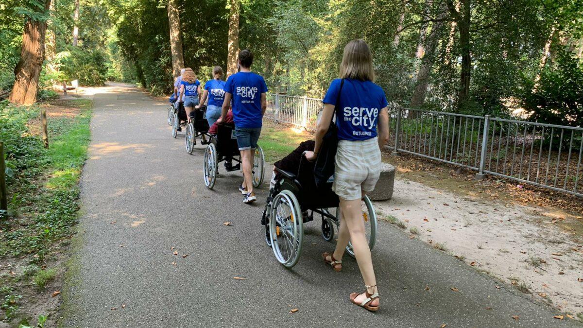 Serve the city wandelen met ouderen